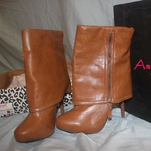 Anne Michelle Heeled Boots